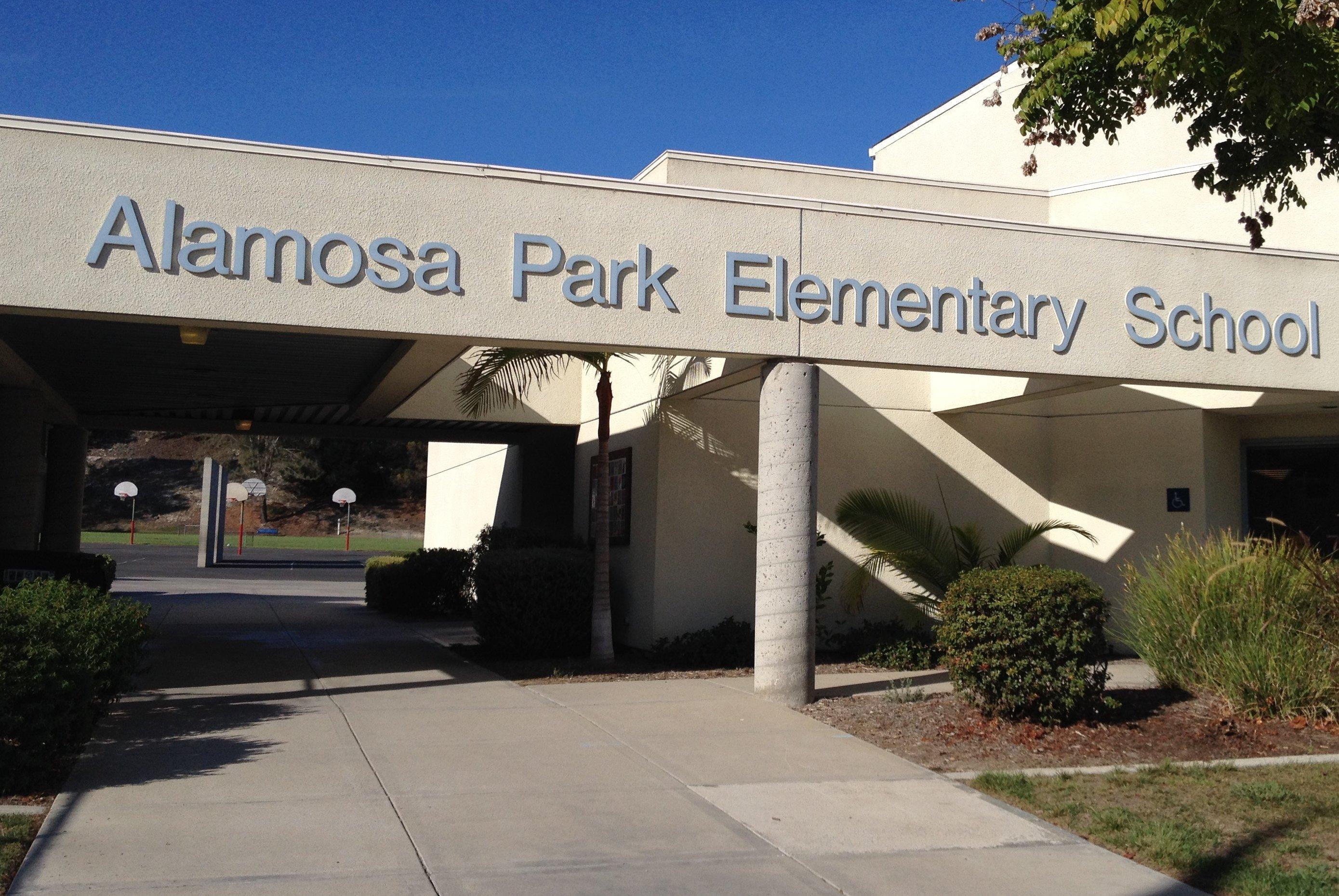 The secret garden at alamosa park elementary the vista - Douglas gardens elementary school ...